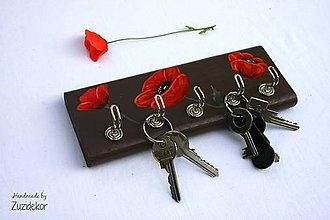 Nábytok - Vešiak na kľúče vlčie maky - 8071137_