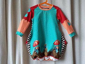 Detské oblečenie - Detské úpletové šaty - Pod dáždnikom - 8070274_
