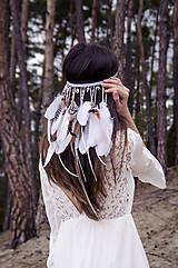 Folklórna elastická čelenka s perím