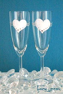Darčeky pre svadobčanov - Svadobné poháre ♥lietajúce srdiečka♥ - 8072656_