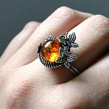 Prstene - Antique Butterfly & Natural Amber Silver ag 925 / Strieborný prsteň s motýľmi a s jantárom - 8077065_