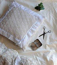 Úžitkový textil - Vintage vankúš zo záclony - 8078038_
