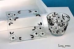 Svietidlá a sviečky - Svietnik a podnos: čierno-biele kvetinky :) - 8087800_