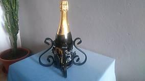 Pomôcky - kovový stojan na fľašu - 8091270_
