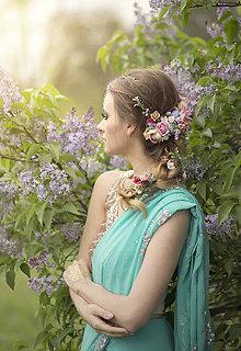 Ozdoby do vlasov - Romantický kvetinový pletenec - 8096247_