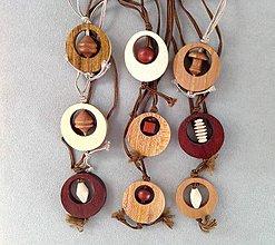 Náhrdelníky - Dřevěný přívěsek. - 8092632_