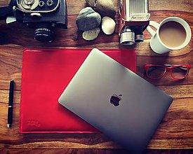 Na notebook - Kožené púzdro na Macbook Air 13 s filcom-červené - 8103255_
