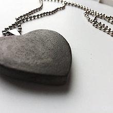Náhrdelníky - Betónový náhrdelník Heart gray - 8100091_