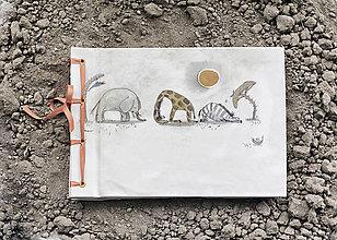 Papiernictvo - Fotoalbum klasický s autorskou ilustráciou ,,Safari,, - 8100239_