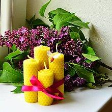 Svietidlá a sviečky - Sviečky s včielkou - 8102302_