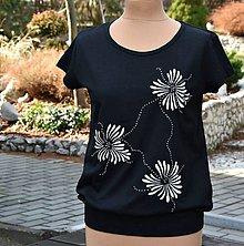 Tričká - Černé s bílými květinami... - 8102761_