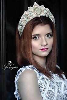 Ozdoby do vlasov - Vyšívaná svadobná korunka - 8102765_