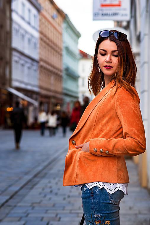Svieže oranžové sako