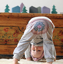 Detské oblečenie - Světle šedé s kytkou - 8103641_