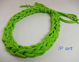 Náhrdelníky - Zelený úpletový náhrdelník - 8109357_