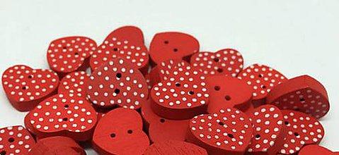 Galantéria - Drevený gombík srdiečko červený s bodkami - 8109069_