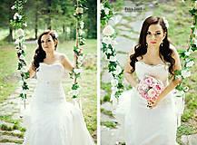 Dekorácie - Kvetinová girlanda- na hojdačku - 8107261_