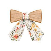 Náhrdelníky - ORIGINÁL – Dámsky drevený motýlik Pae - 8112832_