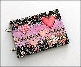 Papiernictvo - Romantický vintage scrapbookový album ,,Hearts