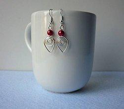 Náušnice - Náušnice s malinovočervenou perličkou  - 8112530_