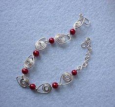 Náramky - Náramok s malinovočervenými perličkami - 8112908_