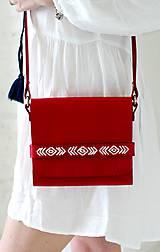 Kabelky - Vyšívaná kabelka na rameno BOHEMIAN CLUTCH RED - 8112173_