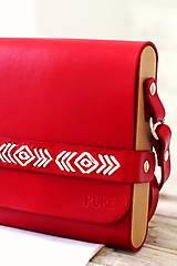 Kabelky - Vyšívaná kabelka na rameno BOHEMIAN CLUTCH RED - 8112182_