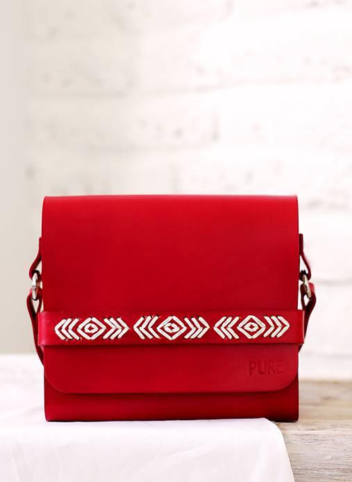 Vyšívaná kabelka na rameno BOHEMIAN CLUTCH RED