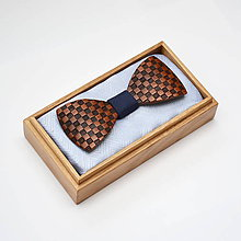 Doplnky - Drevený motýlik GRAND - mahagon šach - 8112633_