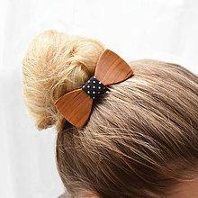 Ozdoby do vlasov - Drevený motýlik do vlasov - čerešňa amer. - 8113738_