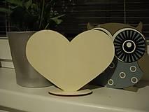 Polotovary - Drevené srdce 18x13,5cm + stojan - 8113482_