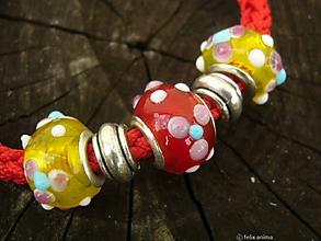 Náramky - Náramok s vinutkami a kovovými korálkami - 8111601_