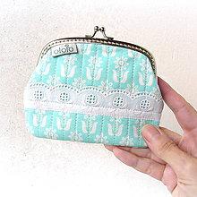 Peňaženky - Peňaženka XL Kvietky na tyrkysovej - 8112088_