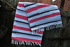 Úžitkový textil - Tkaný koberec sivo-červeno-čierny - 8111092_