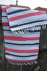 Úžitkový textil - Tkaný koberec sivo-červeno-čierny - 8111095_