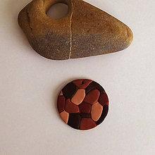 Náhrdelníky - Mozaikový prívesok (korok) - 8110734_