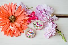 Odznaky/Brošne - Ručně malovaná brož s růžovým ptáčkem - mini - 8116624_