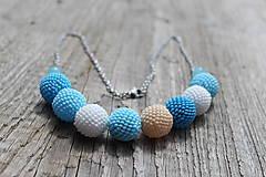 Náhrdelníky - náhrdelník z modrých obšívaných guličiek 3 - 8115244_