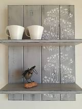 Polička sivá - kvetinky