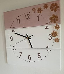 Hodiny - Nástenné hodiny staroružové s bronzovými kvetinkami - 8115284_