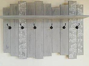 Nábytok - Vešiak sivý - kvetinky - 8115317_
