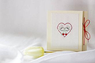 Papiernictvo - Zaľúbené holubice - vyšívaný pozdrav - 8116318_