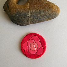 Náhrdelníky - Mozaikový prívesok (ruža) - 8115851_