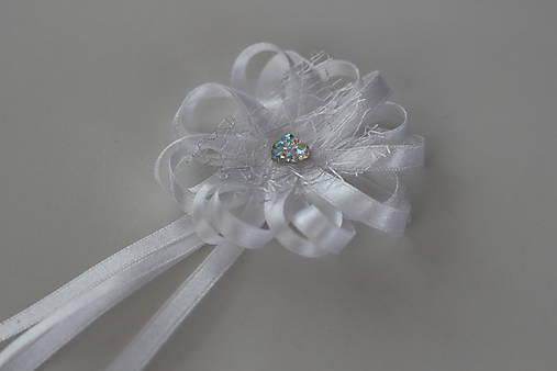 Biele svadobné pierka pre otcov/starejšieho