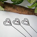 Darčeky pre svadobčanov - zapichovacie  srdiečka - 8123241_