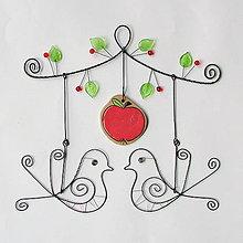 Dekorácie - láska pod jabloňou - 8122144_