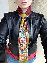 Šatky - Verná koreňom- maľovaná hodvábna šatka - 8122979_