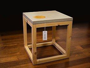 Nábytok - Betónový stôl s plátkovým zlatom - 8124573_
