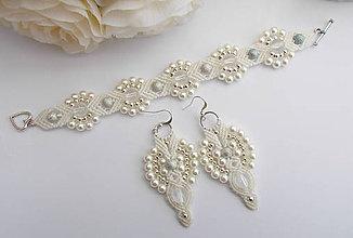 Sady šperkov - Biele svadobné makramé náušnice a náramok - 8124031_