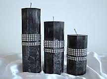 Trio čierno bielých osemhranolov so strieborným štrasom